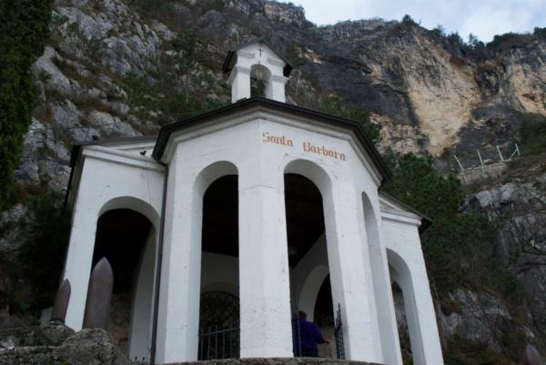 chiesetta_santa_barbara_-_riva_del_garda_1